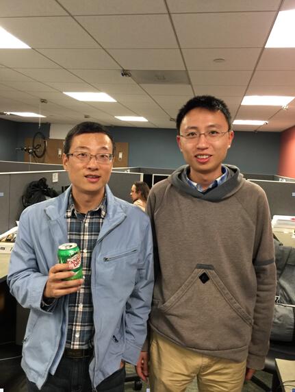 图为访问Berkeley,与实验室优秀毕业生合影1